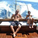 Coppia in relax durante un'escursione in barca a Gallipoli